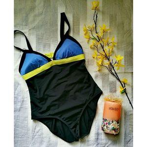 NWOT Land's end colorblock swimsuit Size 6